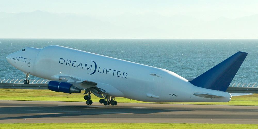 B747LCF_Dreamlifter_takeoff1